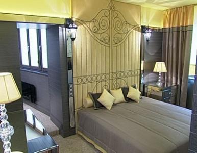 Спальня с канарейкой