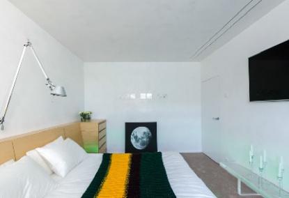 Кровать при Луне